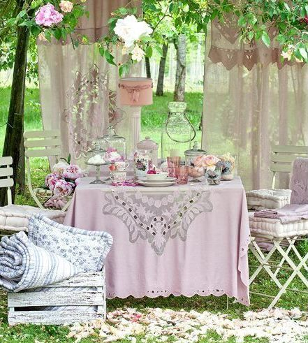 Shabby chic outdoor idee romantiche per il vostro for Idee giardino shabby