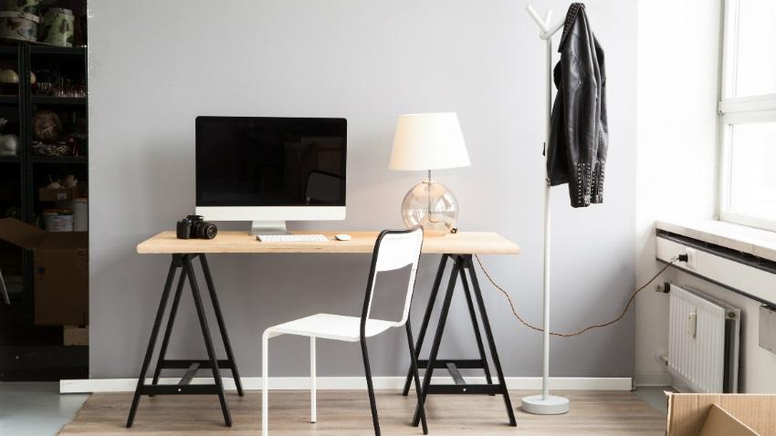 scrivania-con-cavalletti